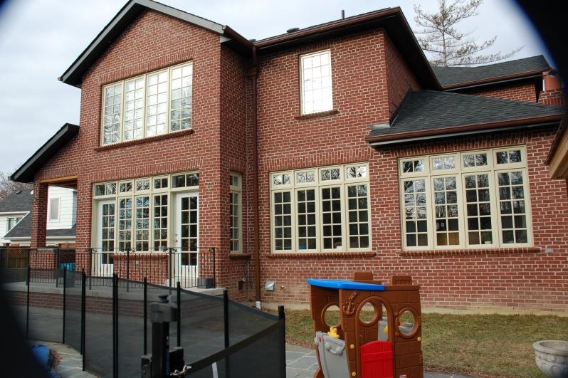 custom home exterior image